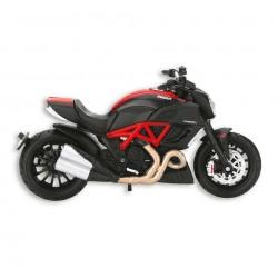 1:18 Ducati Diavel Carbon Bike